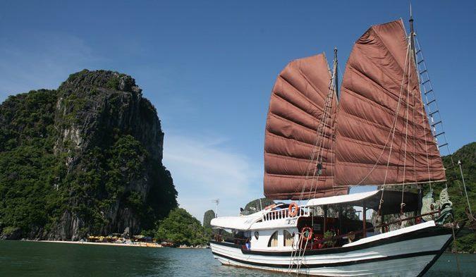 Voyager au Vietnam : à la découverte du charme de la baie d'Ha Long